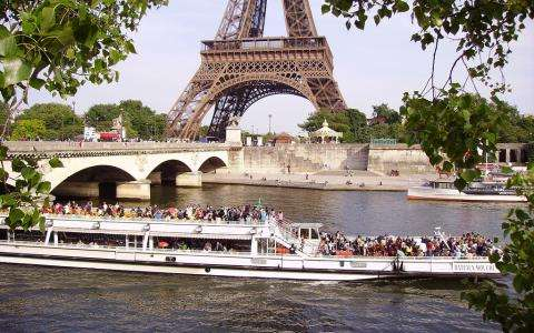 10 great reasons to visit Paris this summer